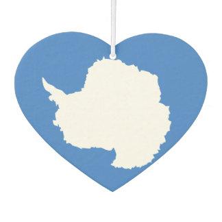 Bandera de Antartican en un fondo nublado
