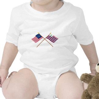 Bandera de Bennington y bandera cruzadas de la Trajes De Bebé