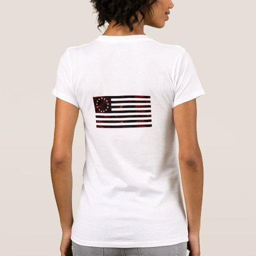 Bandera de Betsy Ross, línea arte ardiente Camiseta