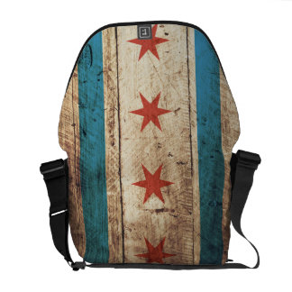 Bandera de Chicago en grano de madera viejo Bolsas De Mensajería