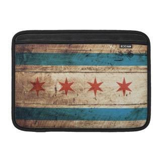 Bandera de Chicago en grano de madera viejo Funda MacBook