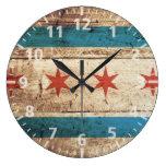 Bandera de Chicago en grano de madera viejo Reloj Redondo Grande