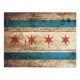 Bandera de Chicago en grano de madera viejo Postal