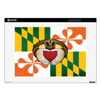 Bandera de Claddagh del irlandés de Maryland Portátil 38,1cm Skins