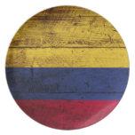 Bandera de Colombia en grano de madera viejo Plato De Comida