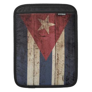 Bandera de Cuba en grano de madera viejo Manga De iPad