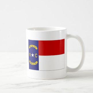 Bandera de Estados Unidos Carolina del Norte Taza Básica Blanca