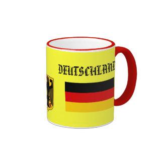 Bandera de GERMANY de DEUTSCHLAND y taza del escu