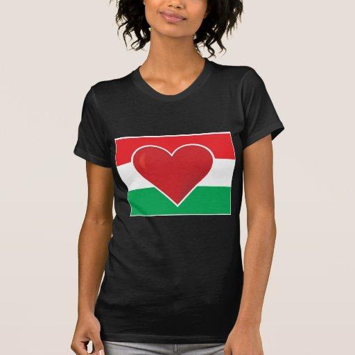 Bandera de Hungría del corazón Camisetas
