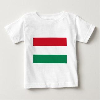 Bandera de Hungría Playera De Bebé