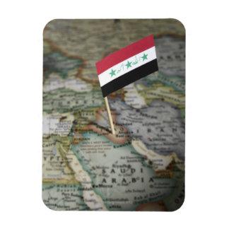 Bandera de Iraq en mapa Iman De Vinilo