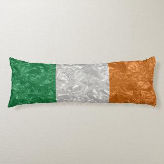Bandera de Irlanda - arrugada Cojin Cama