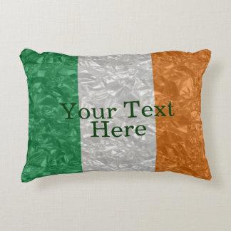 Bandera de Irlanda - arrugada Cojín Decorativo