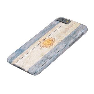 Bandera de la Argentina en la madera Funda Para iPhone 6 Barely There