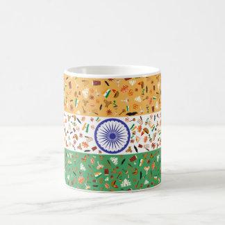Bandera de la India con los artículos culturales Taza