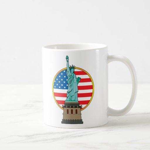 Bandera de la libertad de la estatua taza de café