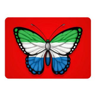 """Bandera de la mariposa del Sierra Leone en rojo Invitación 5"""" X 7"""""""
