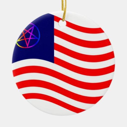 Bandera de la raya del Pentagram Ornamentos De Navidad