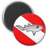 Bandera de la zambullida del tiburón de enfermera  imanes para frigoríficos
