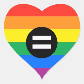 Bandera de los derechos de los homosexuales pegatina en forma de corazón