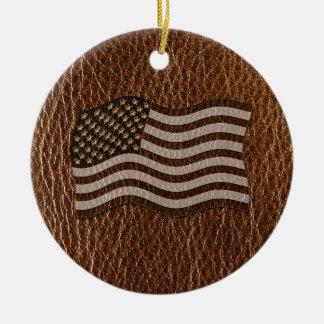 Bandera de los E.E.U.U. de la Cuero-Mirada Adorno Navideño Redondo De Cerámica