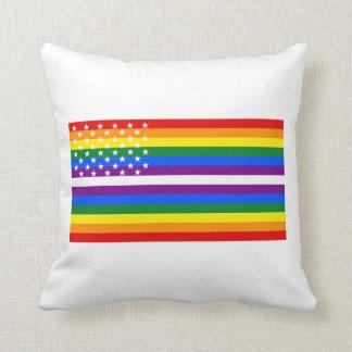 Bandera de los E.E.U.U. del orgullo gay - 13 Cojín Decorativo