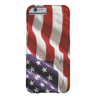 """Bandera de los E.E.U.U. del vintage """"que vuela Funda De iPhone 6 Barely There"""