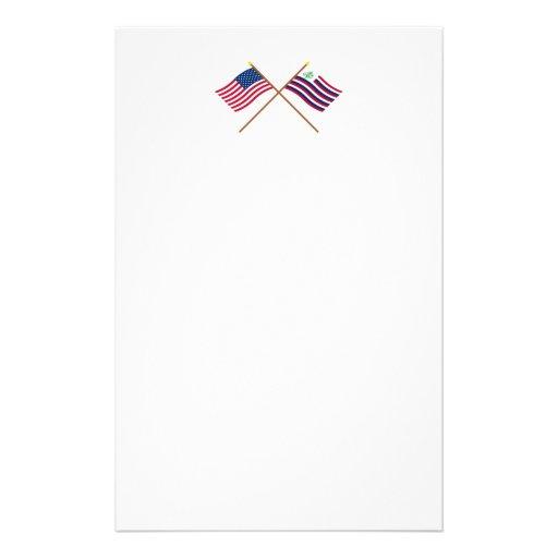 Bandera de los E.E.U.U. y bandera cruzadas de la Papeleria De Diseño