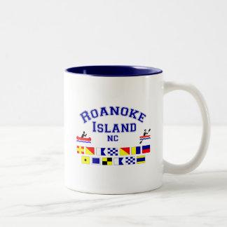 Bandera de los Sig del NC de la isla de Roanoke Taza Dos Tonos