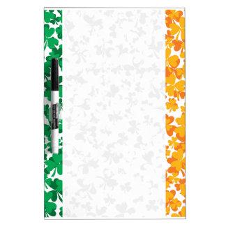 Bandera de los tréboles de Irlanda Pizarras Blancas
