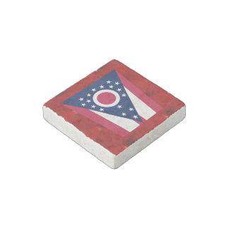 Bandera de lujo de Ohio en fondo rojo del Imán De Piedra