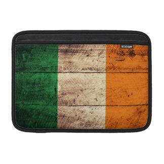 Bandera de madera de Irlanda Fundas MacBook