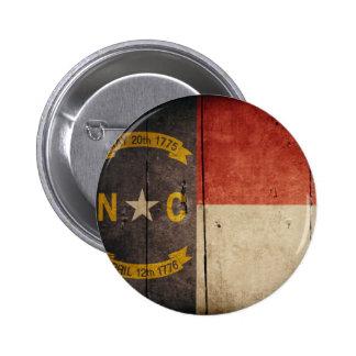 Bandera de madera rugosa de Carolina del Norte Pin Redondo 5 Cm