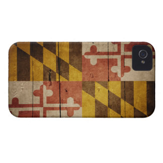 Bandera de madera rugosa de Maryland iPhone 4 Case-Mate Protectores