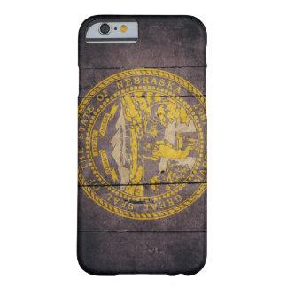Bandera de madera rugosa de Nebraska Funda De iPhone 6 Barely There