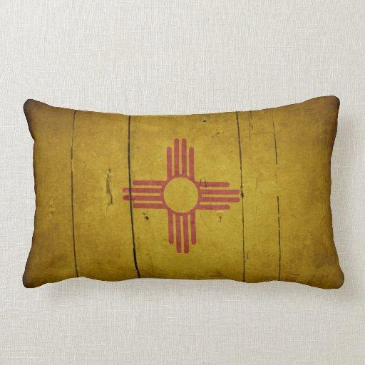 Bandera de madera rugosa de New México Almohada