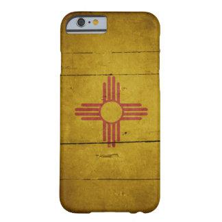Bandera de madera rugosa de New México Funda Para iPhone 6 Barely There