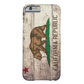 Bandera de madera vieja de California Funda De iPhone 6 Barely There