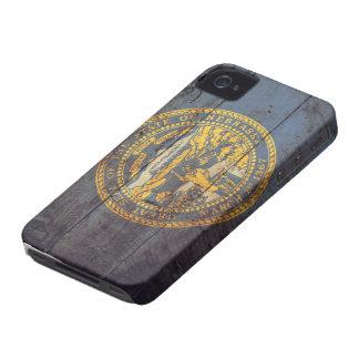 Bandera de madera vieja de Nebraska; iPhone 4 Case-Mate Protector