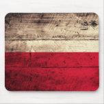Bandera de madera vieja de Polonia Alfombrilla De Raton