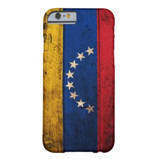 Bandera de madera vieja de Venezuela Funda De iPhone 6 Barely There