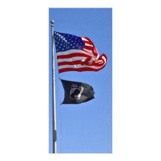 Bandera de MIA del PRISIONERO DE GUERRA con vieja