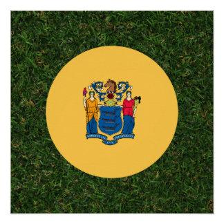 Bandera de New Jersey en hierba Perfect Poster