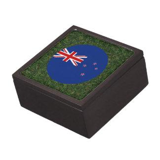Bandera de Nueva Zelanda en hierba Cajas De Joyas De Calidad