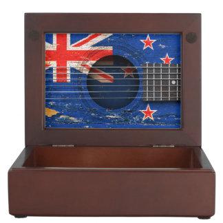 Bandera de Nueva Zelanda en la guitarra acústica Caja De Recuerdos
