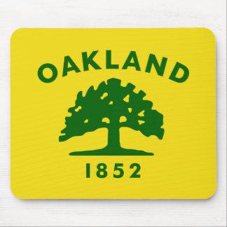 Bandera de Oakland, California Alfombrillas De Ratones
