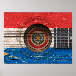 Bandera de Paraguay en la guitarra acústica vieja Poster