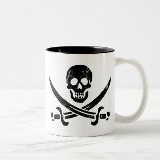 Bandera de pirata de Juan Rackham (calicó Jack) Taza De Dos Tonos