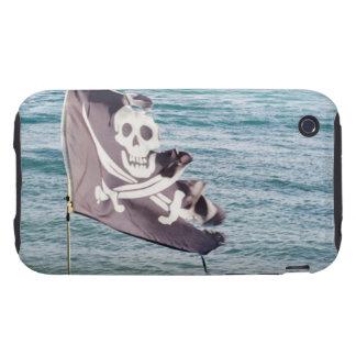 Bandera de pirata hecha andrajos tough iPhone 3 funda
