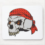 Bandera de pirata observada mal del cráneo alfombrilla de raton
